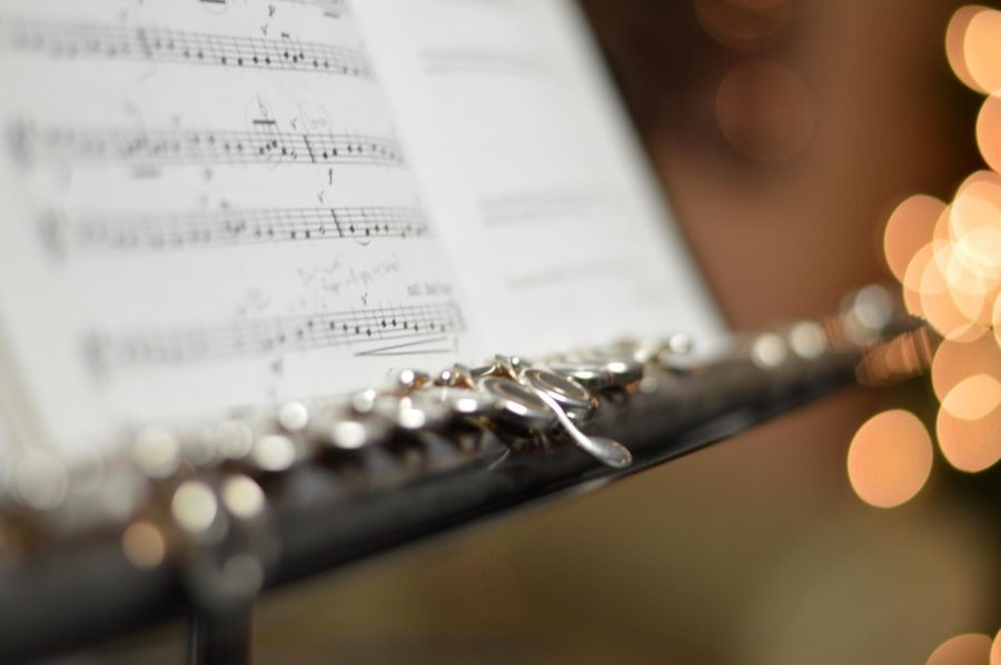SIXTH INTERNATIONAL FLUTE COMPETITION